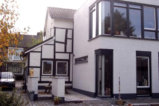 Andr scherpenisse architect woonhuis maas te noorbeek - Geschilderd zink ...